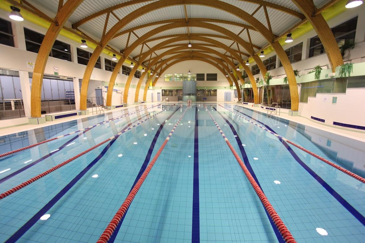 Etterbeek sport piscine espadon zwembad for Piscine bruxelles