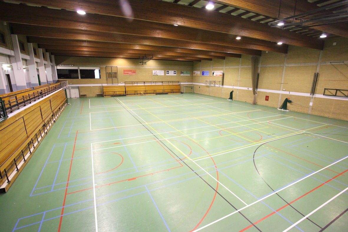 Le centre sportif d 39 etterbeek for Club piscine lasalle